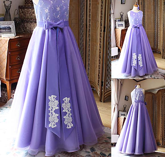 定番で人気のデザイン 長いリボンと刺繍が特徴的で人気のドレス