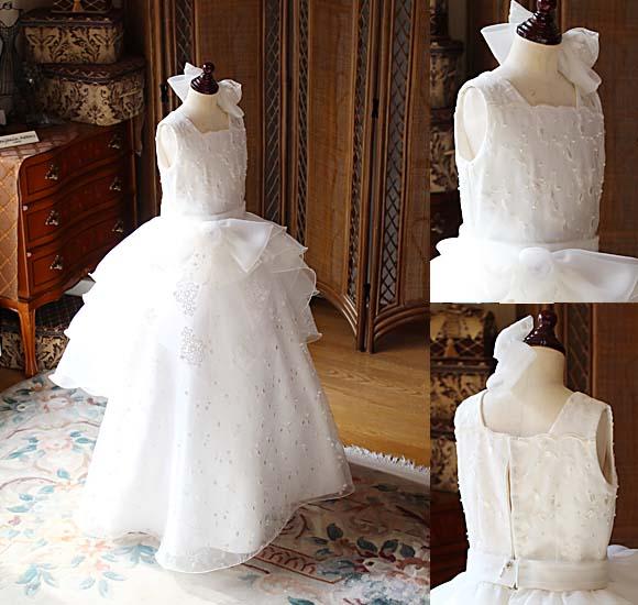 オフホワイトカラーと刺繍レースのピアノの受賞者コンサートドレス