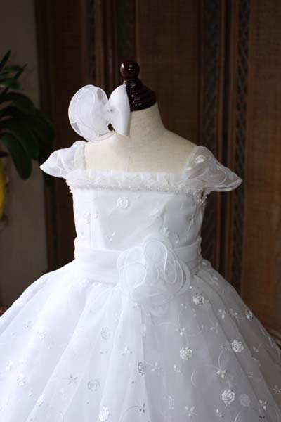 子供用ウェディングドレス 上半身デザイン