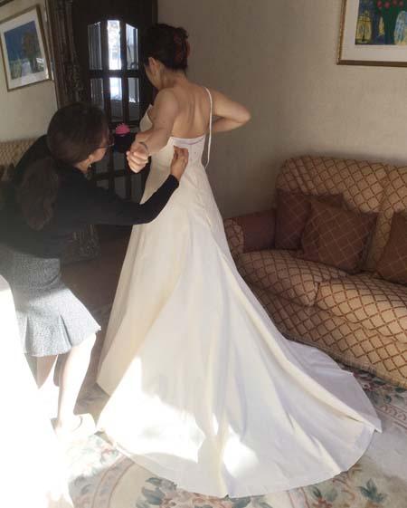 立体裁断によるウェディングドレスの仮縫い