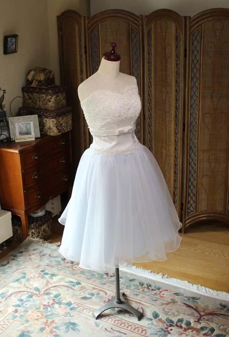 ミモレ丈のウェディグドレス サムシングブルー