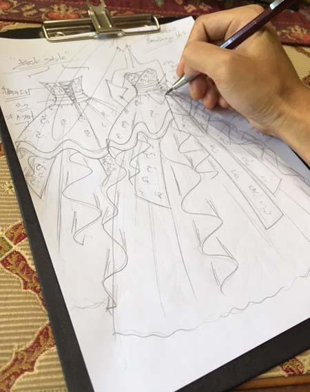 着物と和の雰囲気を演出するドレス