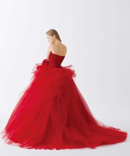 レッドカラーのお色直しドレス