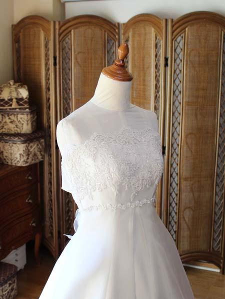 胸元のシルエットとデザイン ウェディングドレス