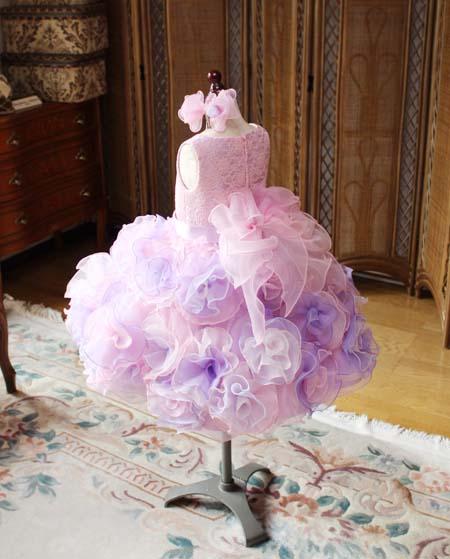 ピンクのお花デザインのコサージュデザイン