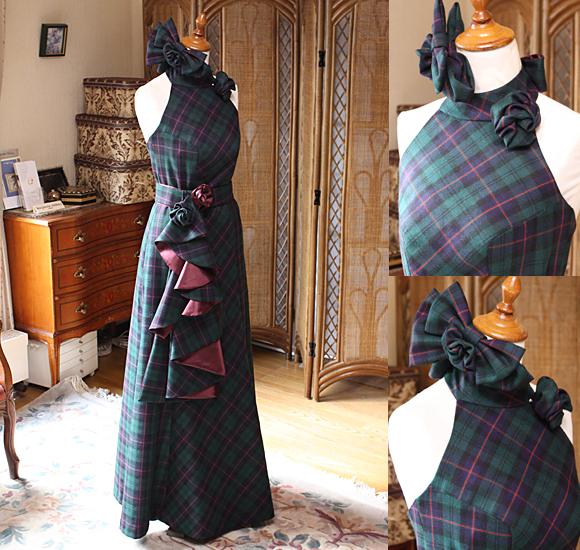 グリーンチェック柄のクリスマスシーズンにぴったりなカラードレス