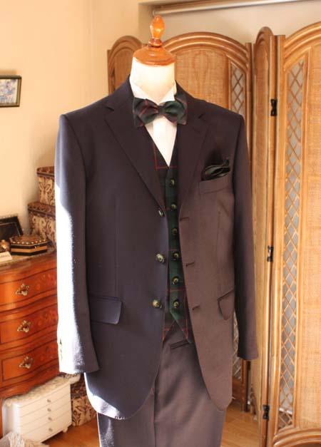 ウェディング用の花婿スーツ