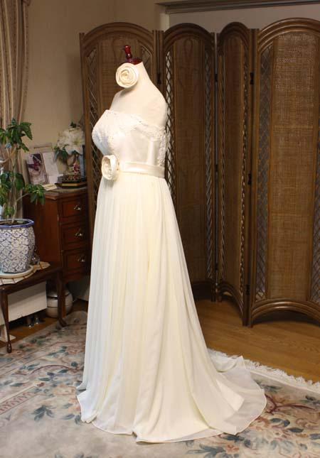 エンパイアラインのウェディングドレス オーダーメイドドレス