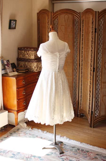 バックスタイルドレス 繊細なデコルテを施したフルオーダーメイドウェディングドレス