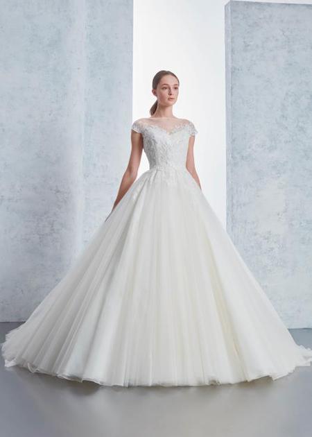 ウェディングドレス シンプルAライン