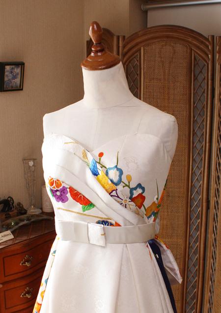 トップスのデザイン ハートライン型のウェディングドレス