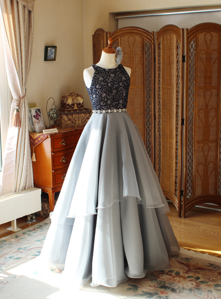 ピアノのリサイタルドレス