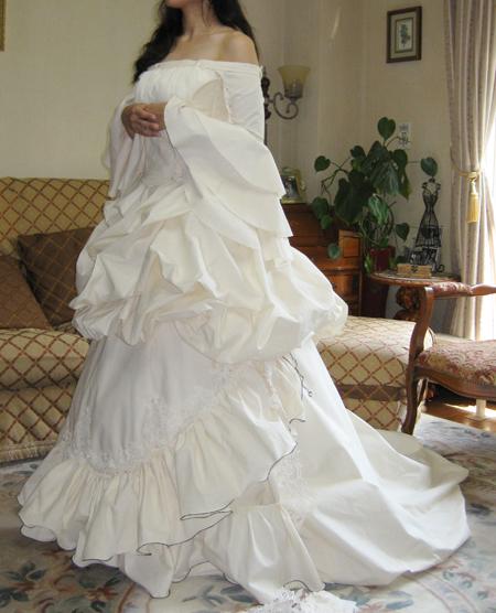 アンティークウェディングドレスの仮縫い