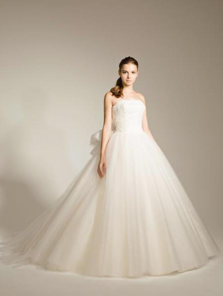 ウェディングドレス ベルライン シンプルデザイン