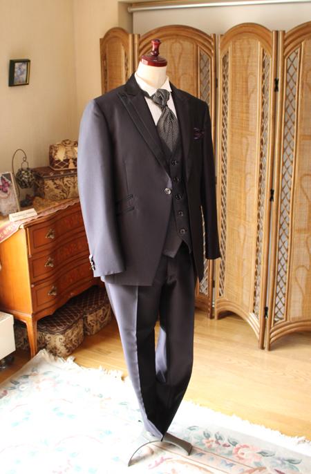 花婿タキシード ブラック 細身の正統派スタイル