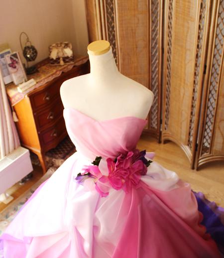 上半身デザインとお色直しカクテルドレス
