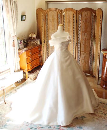 プリンセスラインのウェディングドレス オーダーメイド