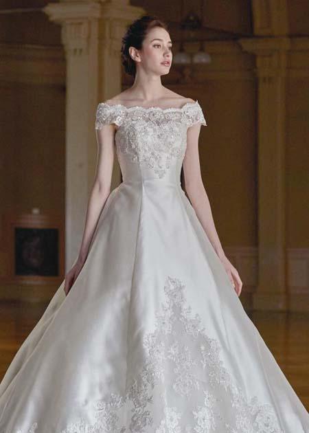 トップスのデザイン ウェディングドレス オフショルダー