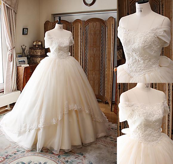 アンティークとクラシックなフェミニンなウェディングドレス