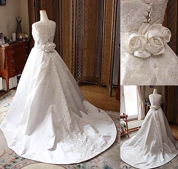 シルクサテンのウエディングドレス
