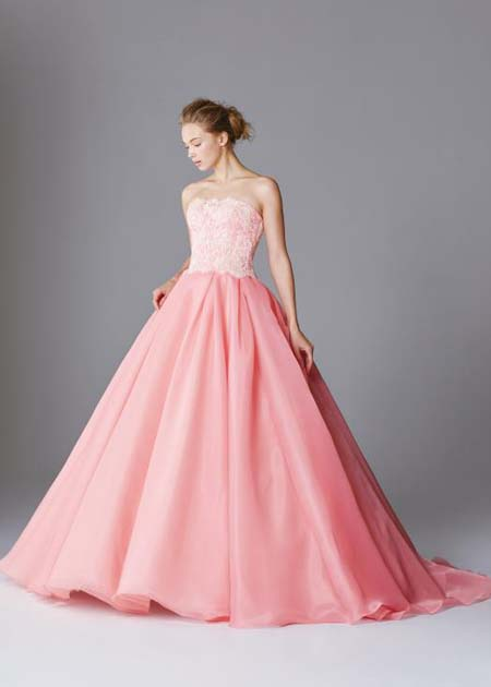 ピンクのカクテルドレス Aライン