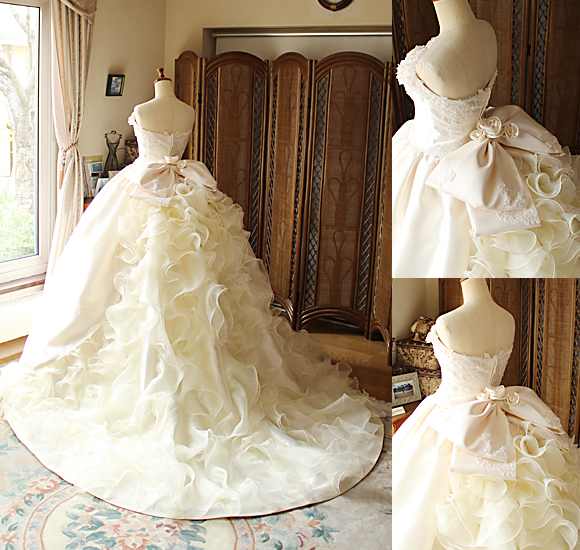豪華なフリルとレースを施したアンティーク調のウェディングドレス