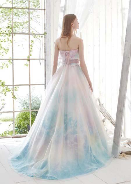 結婚式のお色直しカラードレス シルエットとデザイン