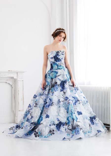 結婚式のお色直しカラードレス 人気のプリントドレス