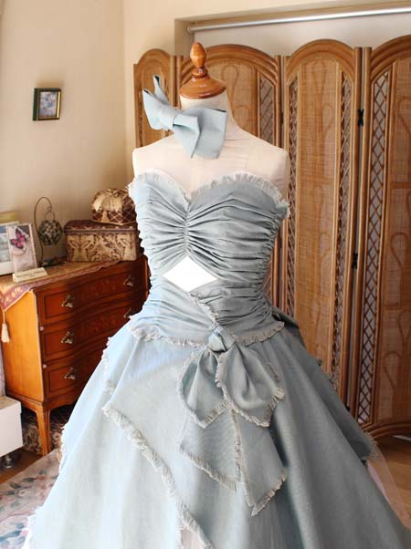 上半身デザインとウェストの構成 2WAYドレス