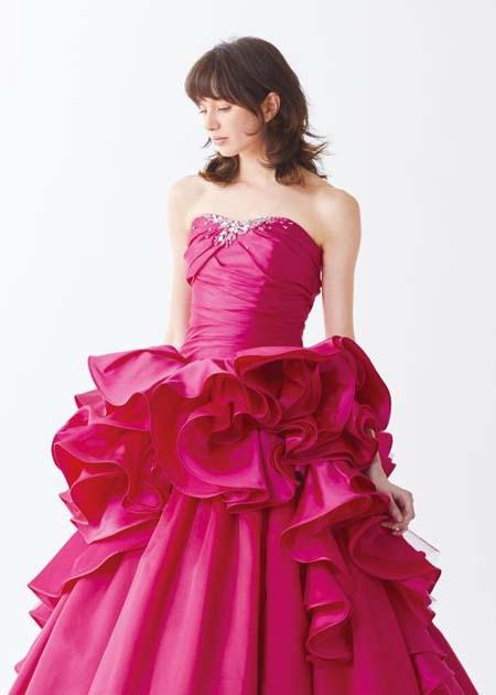 トップスとウェスト周りのデザイン お色直しカラードレス