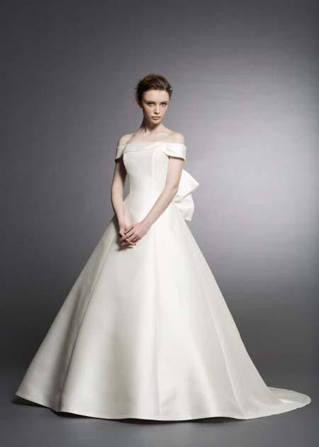 プリンセスラインウェディングドレス ミカド