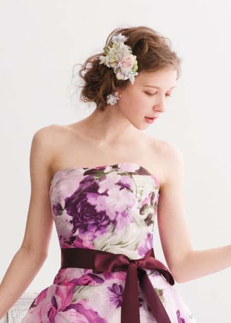 胸元のデザイン ドレスのビスチェデザイン