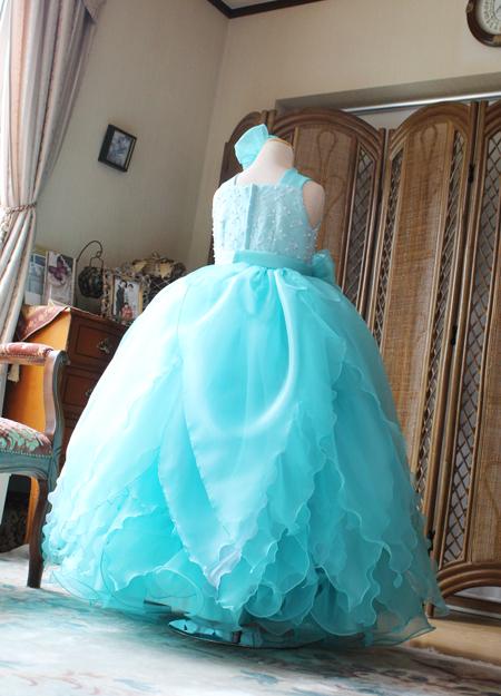お花のスカート デザインとスカートの配色