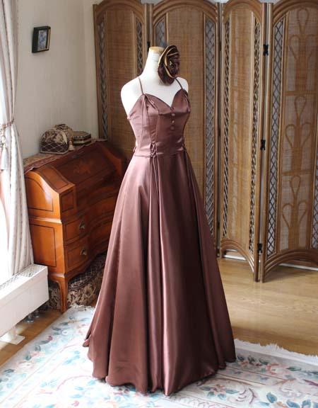 スレンダーライン ロングドレス ブラウン
