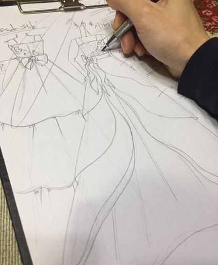 兵庫県 ピアノのコンサートドレス デザイン立案