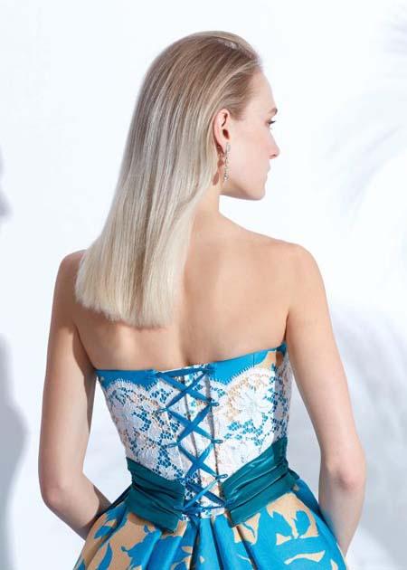 花嫁様のサイズに合わせやすい編み上げのトップス ドレス