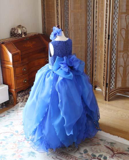 ベルラインスカート キュートで華やかなリーフデザイン