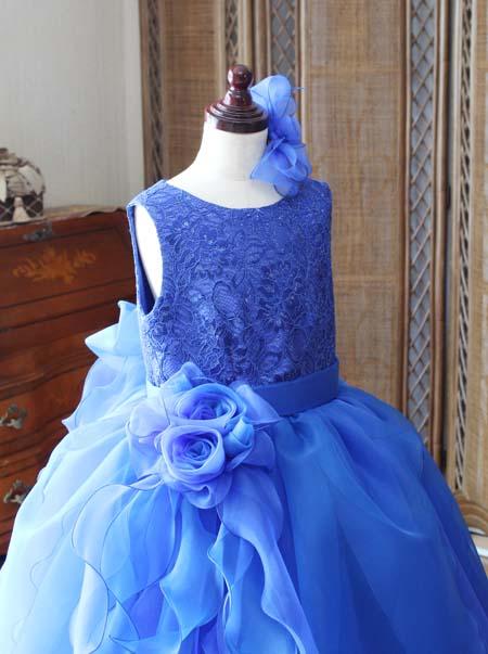 胸元のデザイン 子供用ドレス