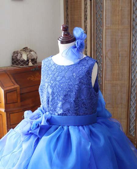 ラウンドネック ドレスの上半身