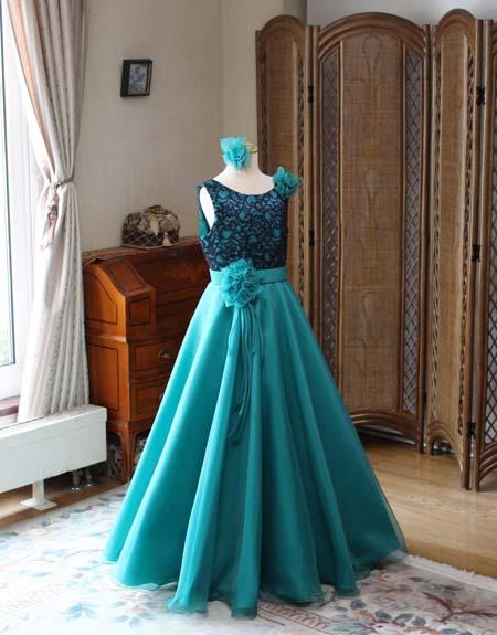 グリーンの受賞者コンサートドレス