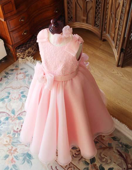 サーモンオレンジ 小学生の演奏家用ドレスを制作