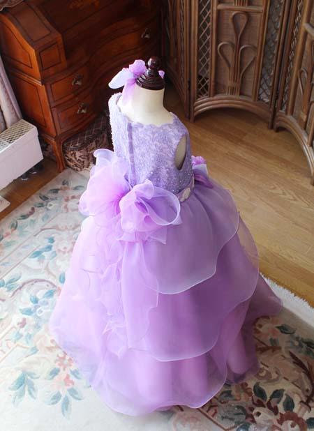 グラデーションを効かせたドレス