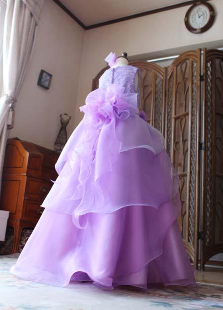 ステージに映える華やかなスカートデザイン