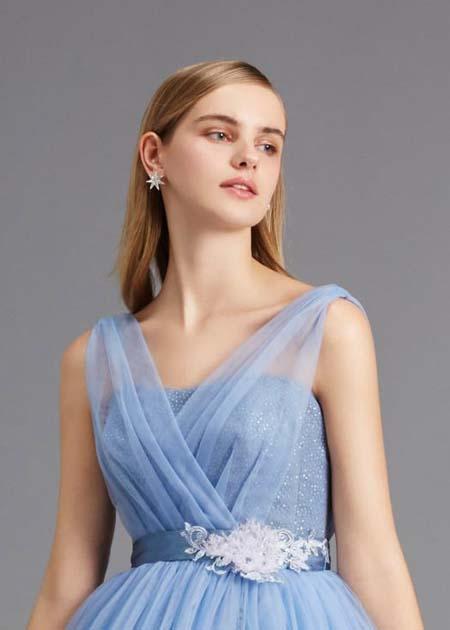 胸元のデザイン 2WAYドレス