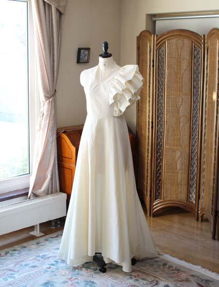 フォーマル婦人服 仮縫いドレス オーダーメイド制作