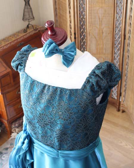 ヘッドドレスとリボンの髪飾り