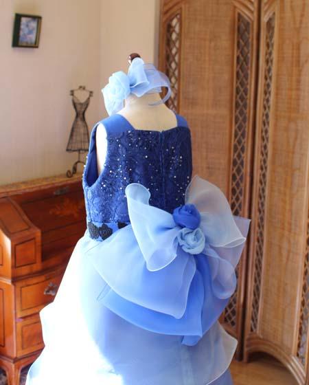リボンのデザイン バックスタイルドレス