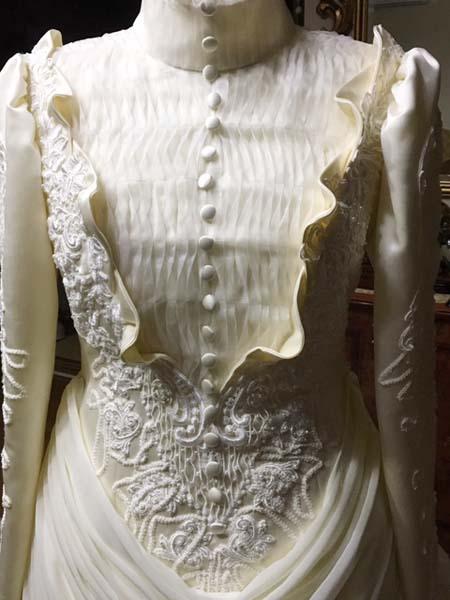 ヴィンテージウェディングドレスのトップスと詳細