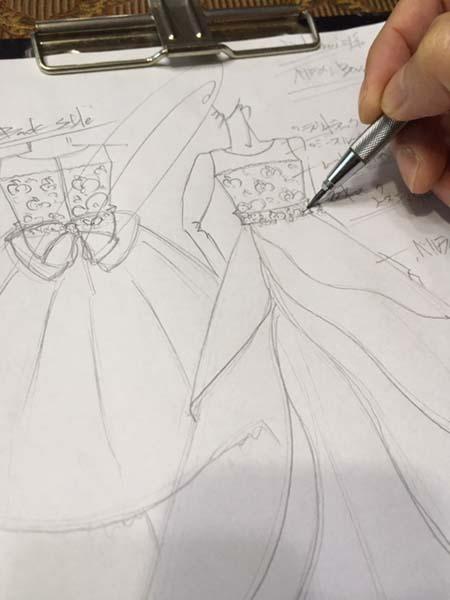 イメージを表現するドレスのデザイン