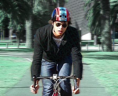 nutcase_helmet.jpg